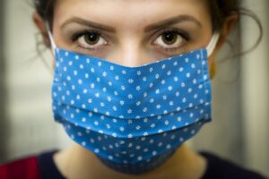 Covid-19 - Girl wearing mask